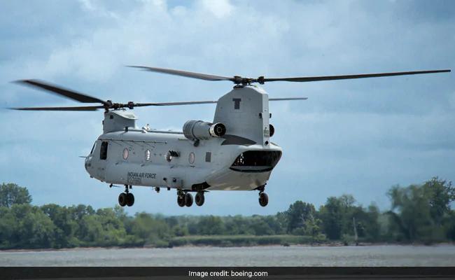 अपाचे चिनूक हेलिकॉप्टरों का गणतंत्र दिवस परेड में पदार्पण