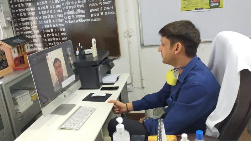 जिलाधिकारी मंगेश घिल्डियाल ने डिग्री कालेज के छात्रों से किया संवाद