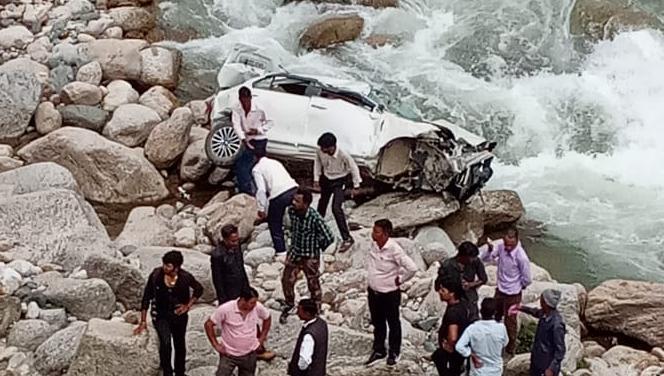 दुःखद: स्विफ्ट दुर्घटना में तीन की मौत एक घायल