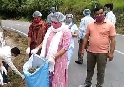 टिहरी पालिकाध्यक्ष के नेतृत्व में चला व्यापक सफ़ाई अभियान