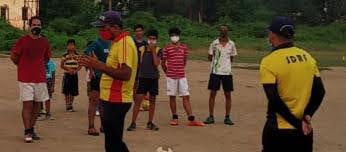 SDRFने आईडीपीएल खेल मैदान में स्थानीय लोगों को दी कोविड से बचने की जानकारी