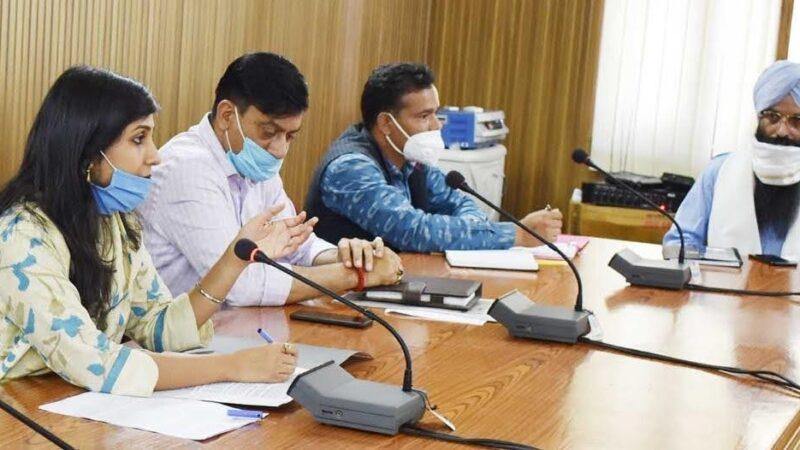 चार सितंबर को खुलेंगे हेमकुंड साहिब के कपाट: डीएम ने की समीक्षा बैठक