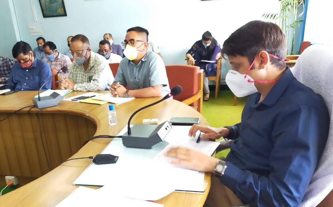डीएम ने दिए 300 से अधिक जॉबकार्ड वाली 21 ग्राम पंचायतों में घेरबाड़ के निर्देश