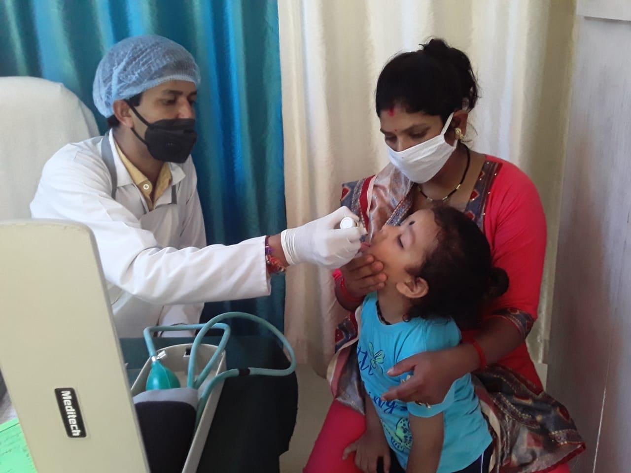 स्वर्ण प्राशन से बच्चों में रोग प्रतिरोधक क्षमता बढ़ती है-डॉ. बिपिन चन्द्र