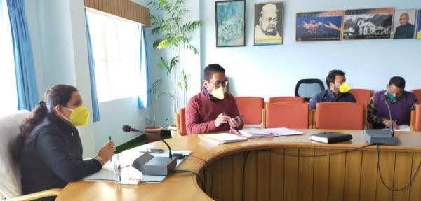 गंगा समिति मि बैठक में डीएम ने तपोवन क्षेत्र में साफ सफाई को एएमए जिला पंचायत को दिए निर्देश