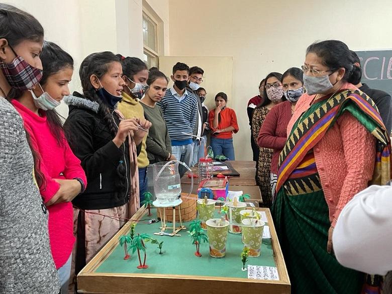 महाविद्यालय कोटद्वार में के बायोटैक विभाग द्वारा विज्ञान दिवस का आयोजन