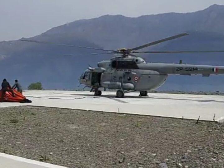 हेलिकॉप्टर द्वारा आग बुझाने का काम शुरू: टिहरी झील से पानी भरकर प्रभावित क्षेत्रों को भरी उड़ान