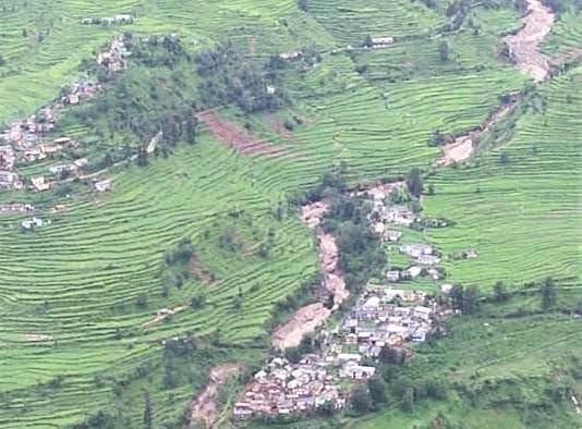 चमोली के ग्राम फल्दियागांव के 12 परिवारों को अन्यत्र पुनर्वासित किए जाने के लिए 51 लाख की धनराशि स्वीकृत