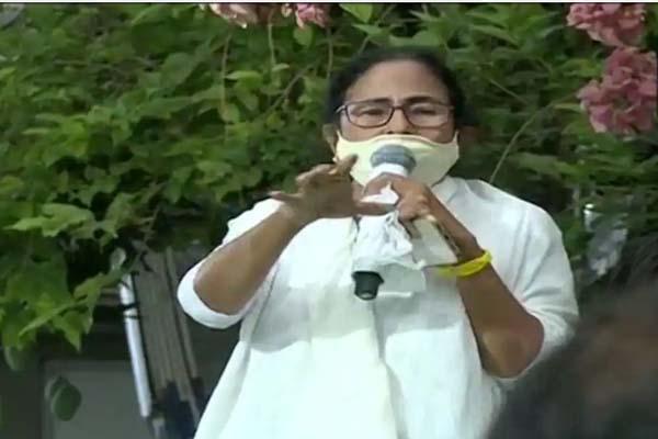ममता बनर्जी पांच मई को लेंगी सीएम पद की शपथ, पार्टी विधायक दल की नेता चुनी गई