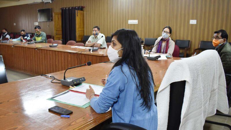 डेंगू की महत्वपूर्ण बैठक में अनुपस्थित डीपीआरओ का वेतन रोकने के निर्देश