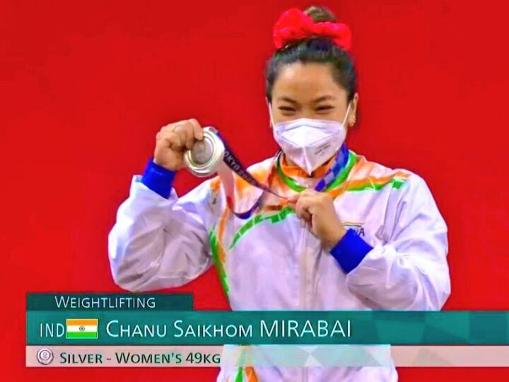 मीराबाई ने 21 साल बाद भारोत्तोलन में झटका रजत पदक, पीएम ने दी बधाई, देश मे जश्न