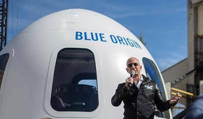 गजब: सिर्फ 10 मिनट 10 सेकेंड में अंतरिक्ष छूकर लौटे Amazon के मालिक जेफ बेजोस