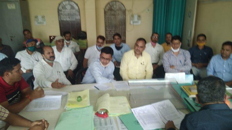 राजकीय शिक्षक संघ ने विभिन्न मांगों को लेकर सीईओ एसपी सेमवाल से की वार्ता