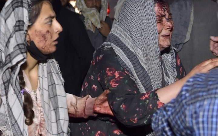 बड़ी खबर: काबुल एयरपोर्ट के बाहर सीरियल बम धमाके, में 100 से ज्यादा की मौत की खबर, आइएस ने ली जिम्मेदारी