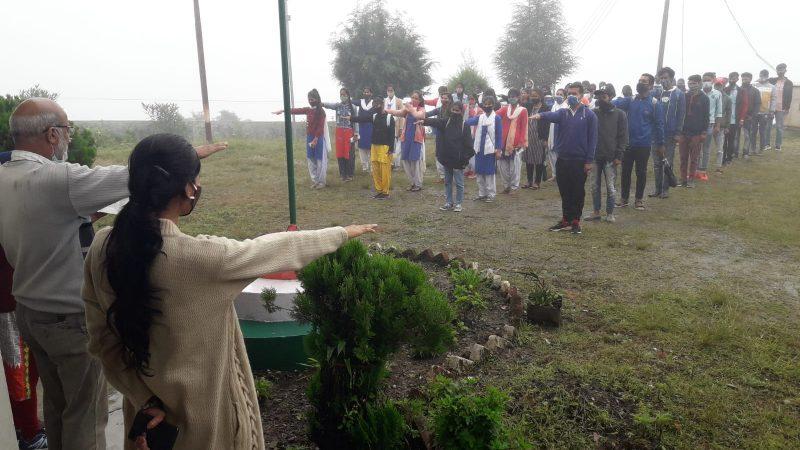 महाविद्यालय नैखरी में छात्र-छात्राओं को दिलाई हिमालय बचाओ की प्रतिज्ञा