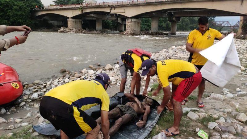 छिद्दरवाला के पास सोंग नदी में एक व्यक्ति डूबा- SDRF ने किया शव बरामद