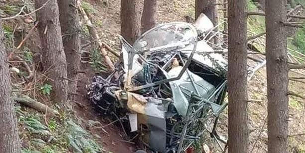 जम्मू-कश्मीर: सेना का हेलिकॉप्टर दुर्घटनाग्रस्त, घायल पायलटों ने अस्पताल में तोड़ा दम