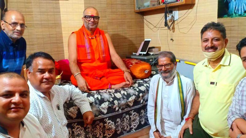 जियो और जीने दो के सिद्धांत देता है हिमालय- नृसिंह पीठाधीश्वर स्वामी रसिक महाराज