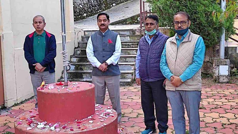 श्रीदेव सुमन उत्तराखंड विश्वविद्यालय ने धूमधाम से मनायी शास्त्री व राष्ट्रपिता महात्मा गांधी की जयंती, परिसर में चलाया सफाई अभियान