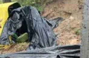 मलवे में दबने से 3 महिला मजदूर की मौत 2 घायल